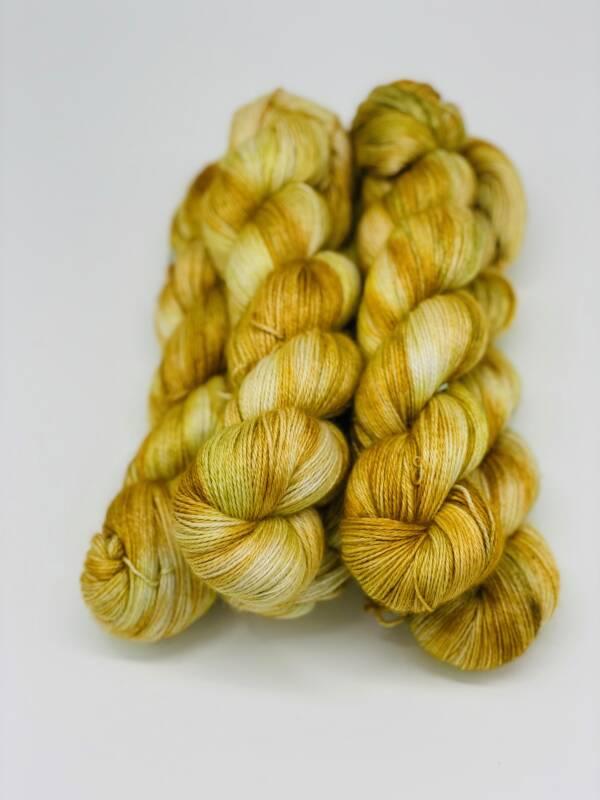handgefärbte Wolle aus Baby Alpaca, Seide und Cashmere