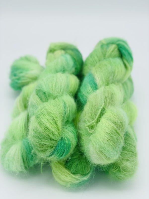 handgefärbtes Garn aus Suri Alpaca und Seide