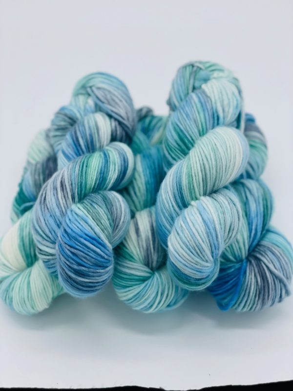 handgefärbtes Garn aus Schurwolle